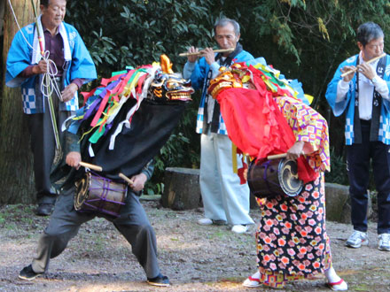 萩平の獅子舞