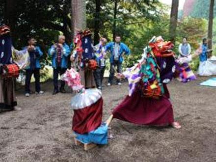 八幡神社獅子舞(朝日根)